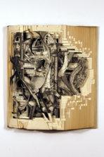 Необычные скульптуры из книг от Brian Dettmer