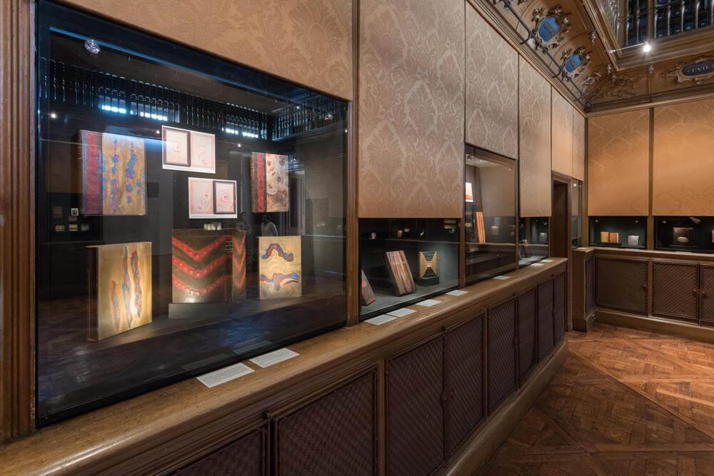 Germain Bnf 02 - В Париже открылась выставка переплетов Луизы-Дениз Жермен