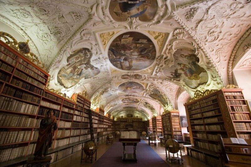 Stragovskij monastyr bilioteka 800x533 - Библиотека Страговского монастыря