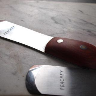 Французский шерфовальный нож